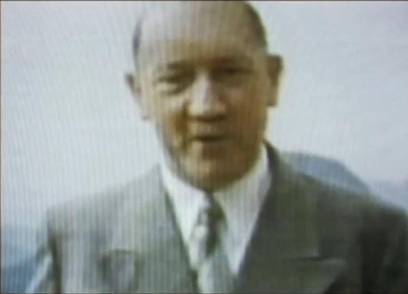 Supuesta foto de un Hitler anciano  tomada en la patagonia.