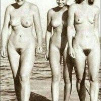Foto de Angela Merkel completamente desnuda en Mallorca: asi no parece tan mala